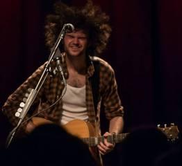 Philip Bölter Genre Grunge-Folk Mitglieder der Band Philip Bölter - Vocals, Guitar/Dobro, Blues-Harp Heimatstadt Ulm